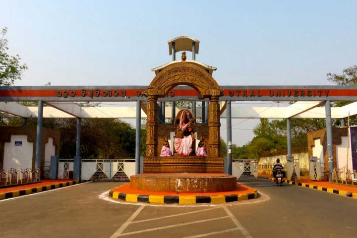 https://cache.careers360.mobi/media/colleges/social-media/media-gallery/630/2018/10/8/Front View of Utkal University Bhubaneswar_Campus-View.jpg